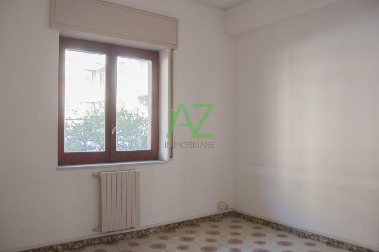 Ufficio / Studio in affitto a Acireale, 3 locali, prezzo € 450   Cambio Casa.it