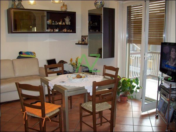 Appartamento in vendita a Gravina di Catania, 3 locali, prezzo € 95.000 | Cambio Casa.it