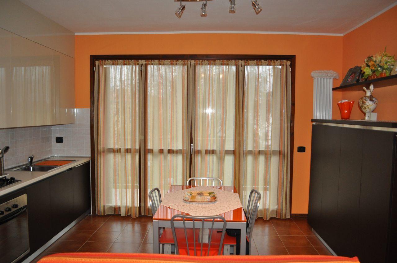 Appartamento in vendita a Noceto, 2 locali, prezzo € 114.000 | Cambio Casa.it