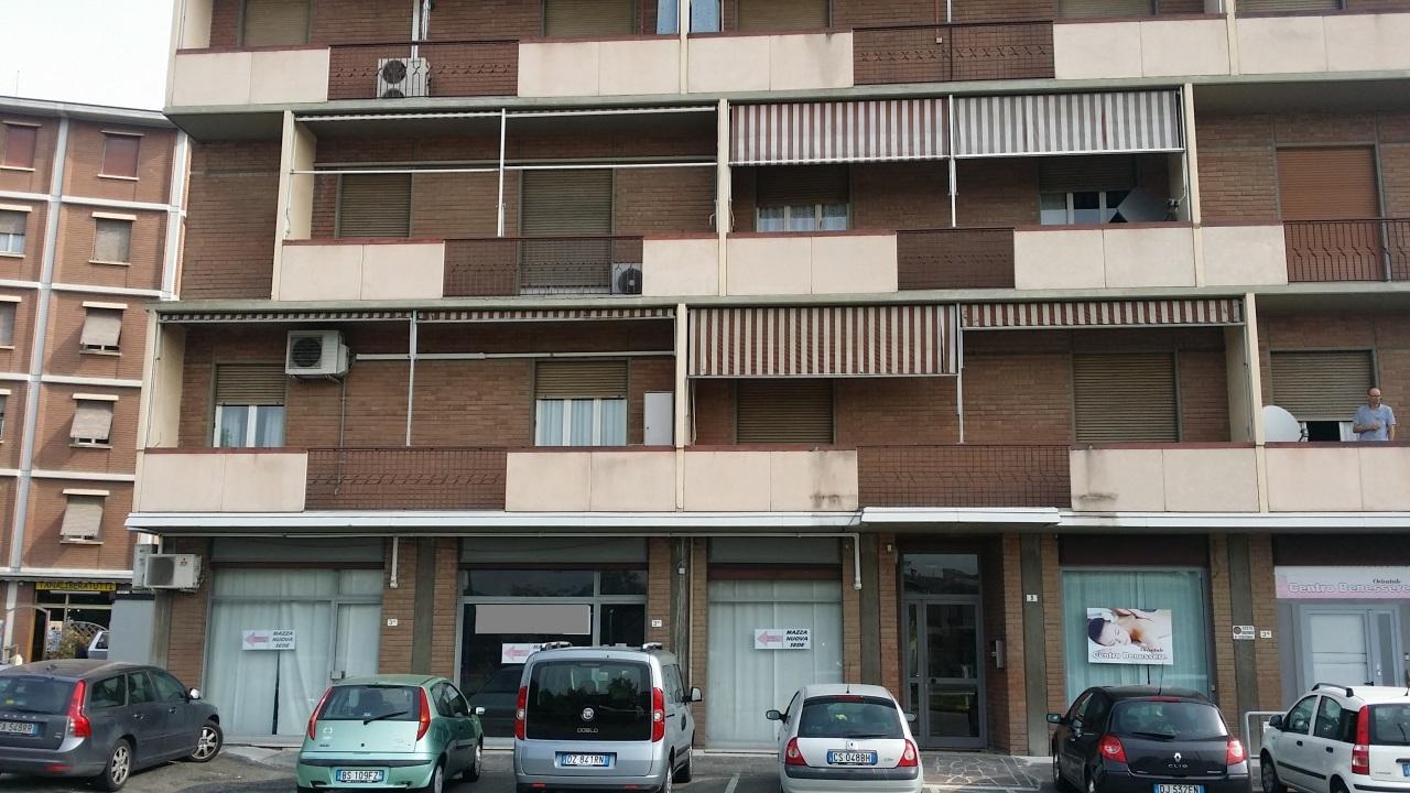 Negozio / Locale in affitto a Parma, 5 locali, prezzo € 2.000 | Cambio Casa.it