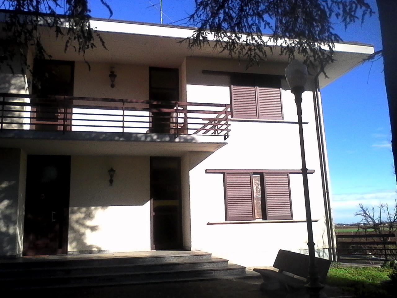 Soluzione Indipendente in vendita a Parma, 10 locali, Trattative riservate | Cambio Casa.it
