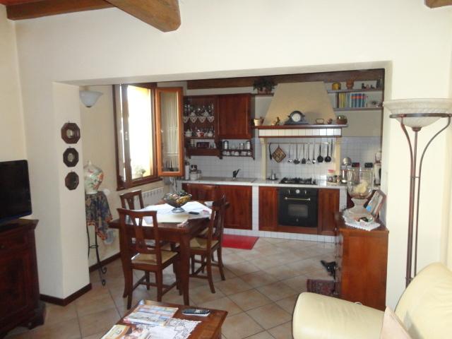 Appartamento in vendita a Sissa-Trecasali, 4 locali, prezzo € 119.000 | Cambio Casa.it