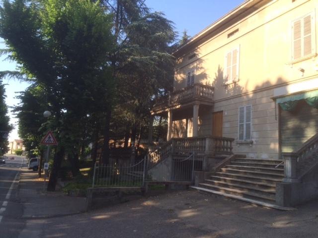Villa in vendita a Medesano, 10 locali, Trattative riservate | Cambio Casa.it
