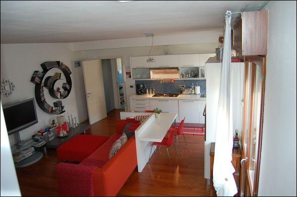 Appartamento in vendita a Selvazzano Dentro, 4 locali, prezzo € 208.000 | Cambio Casa.it
