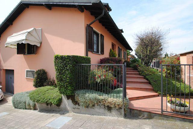 Villa in Vendita a Cura Carpignano