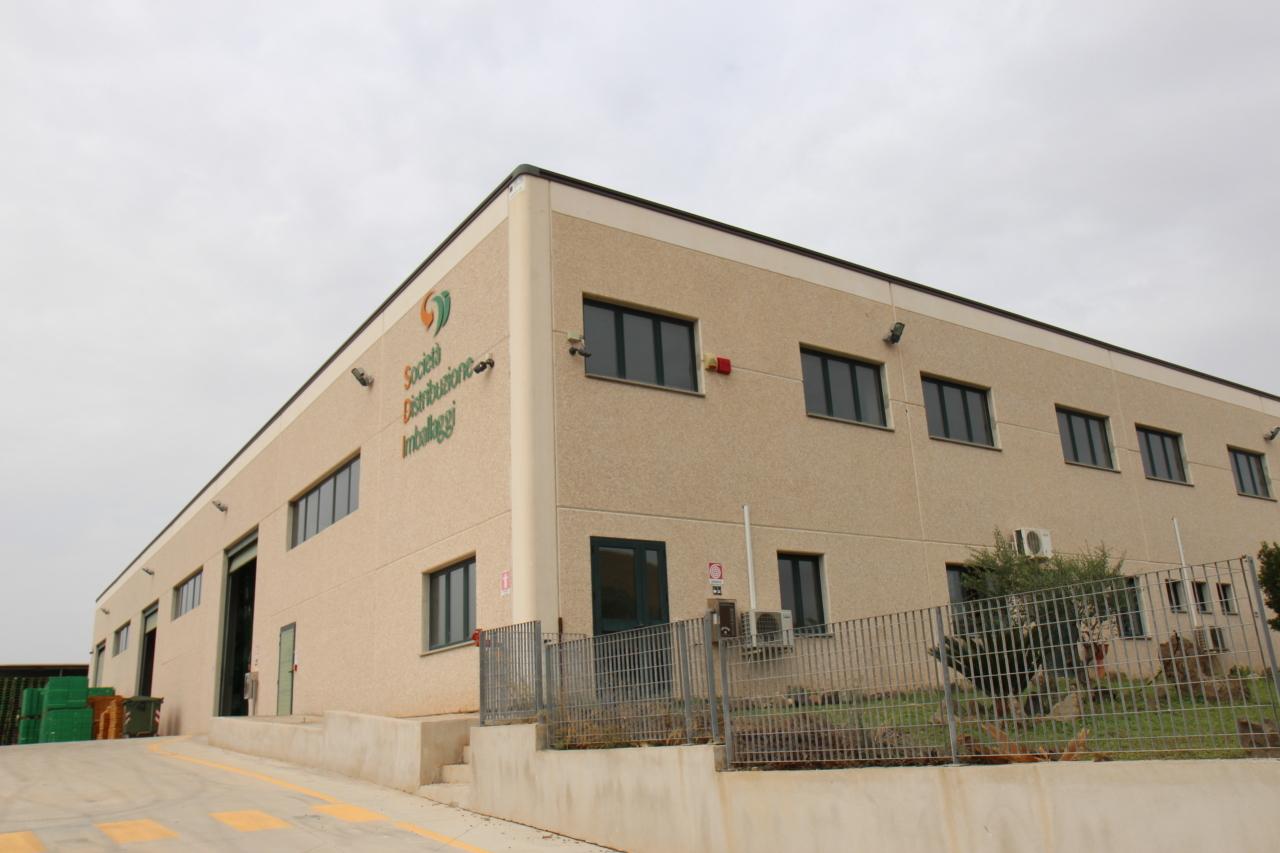 Capannone in vendita a Nuraminis, 9999 locali, prezzo € 360.000 | Cambio Casa.it