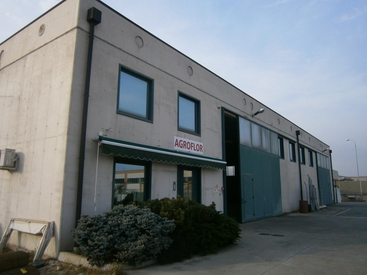 Capannone in vendita a Lonigo, 4 locali, Trattative riservate | Cambio Casa.it