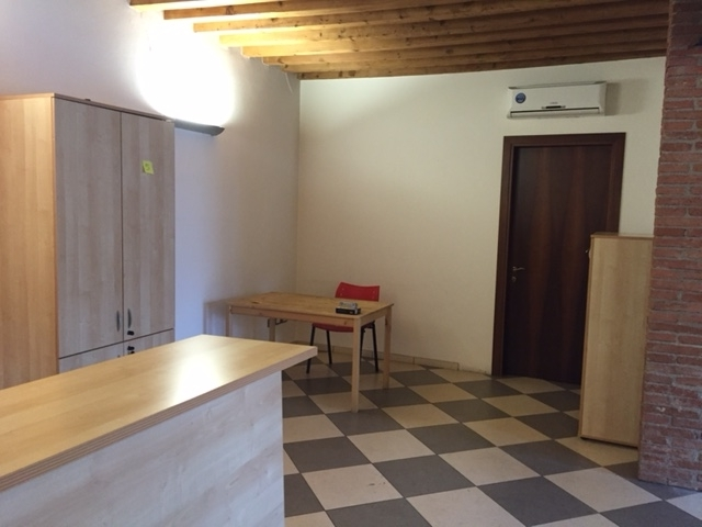Attività / Licenza in affitto a Montebello Vicentino, 3 locali, Trattative riservate   CambioCasa.it