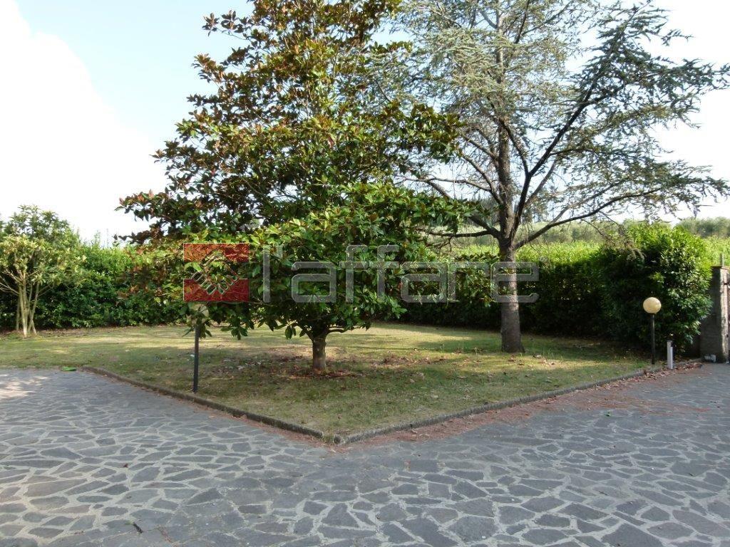 Villa in vendita a Crespina Lorenzana, 8 locali, prezzo € 380.000 | Cambio Casa.it