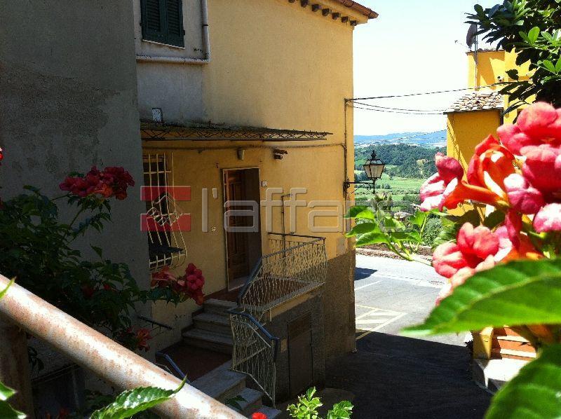 Appartamento in vendita a Crespina Lorenzana, 5 locali, prezzo € 110.000 | Cambio Casa.it