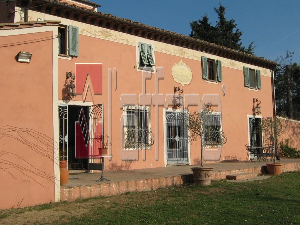 Rustico / Casale in vendita a Crespina Lorenzana, 6 locali, prezzo € 680.000   Cambio Casa.it