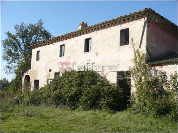 Rustico / Casale in vendita a Crespina Lorenzana, 12 locali, prezzo € 550.000   Cambio Casa.it