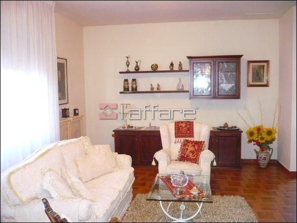 Soluzione Indipendente in vendita a Crespina Lorenzana, 5 locali, prezzo € 330.000 | Cambio Casa.it