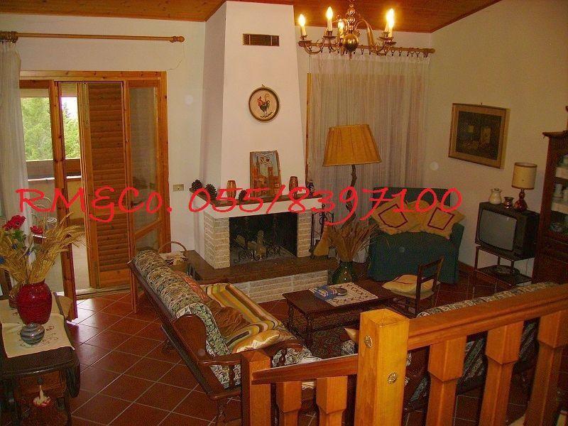 Villa in vendita a Pontassieve, 5 locali, prezzo € 315.000 | Cambio Casa.it