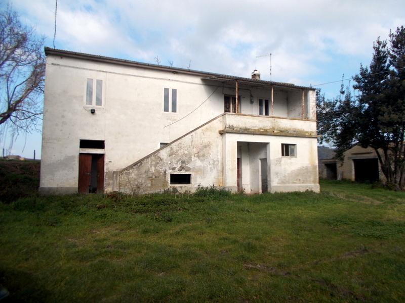Rustico / Casale in vendita a Offida, 10 locali, prezzo € 210.000 | Cambio Casa.it