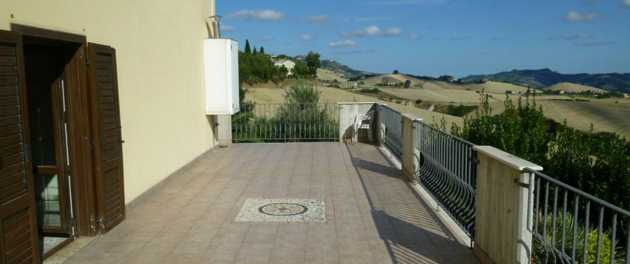Soluzione Indipendente in vendita a Cossignano, 10 locali, prezzo € 350.000 | Cambio Casa.it