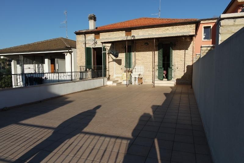 Soluzione Indipendente in vendita a San Benedetto del Tronto, 5 locali, prezzo € 330.000 | Cambio Casa.it