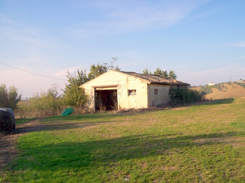 Rustico / Casale in vendita a Morro d'Oro, 8 locali, prezzo € 370.000 | CambioCasa.it