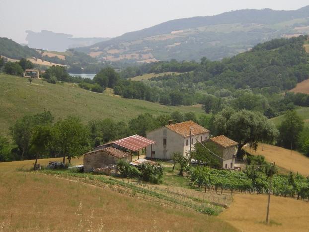 Rustico / Casale in vendita a Amandola, 10 locali, prezzo € 390.000 | Cambio Casa.it