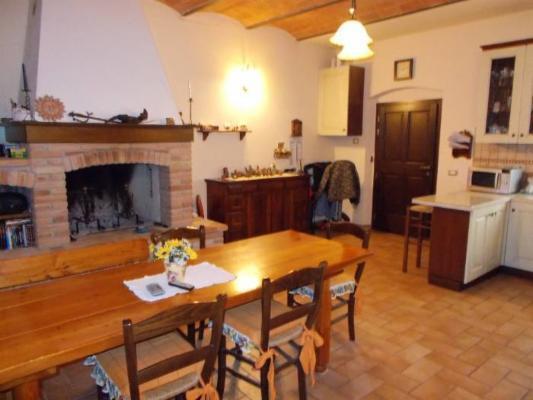 Soluzione Indipendente in vendita a Crespina Lorenzana, 5 locali, prezzo € 165.000 | Cambio Casa.it