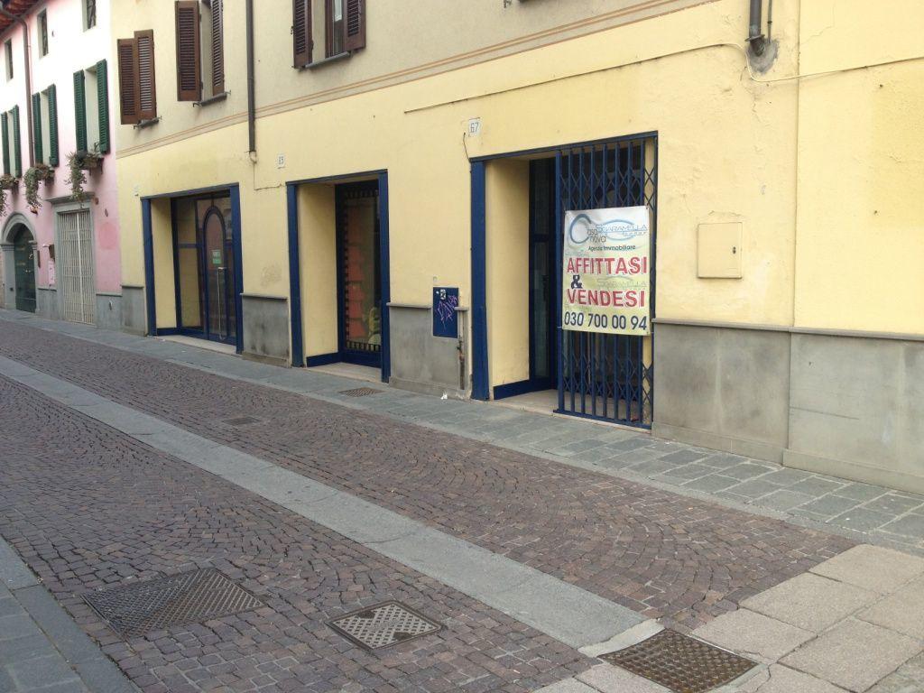Negozio / Locale in affitto a Chiari, 1 locali, prezzo € 650 | Cambio Casa.it