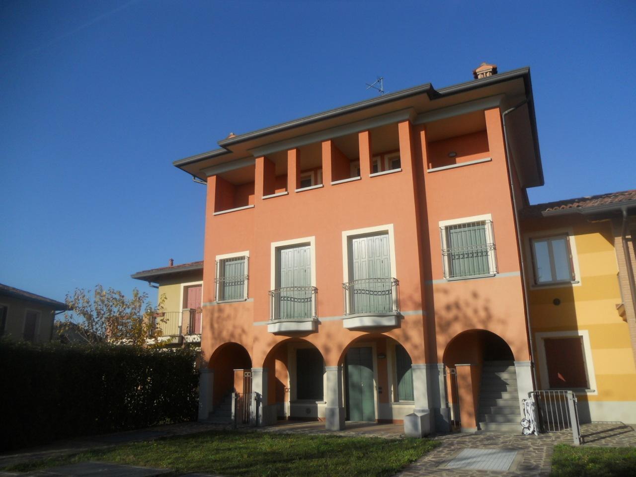 Appartamento in vendita a Chiari, 4 locali, prezzo € 135.581 | Cambio Casa.it