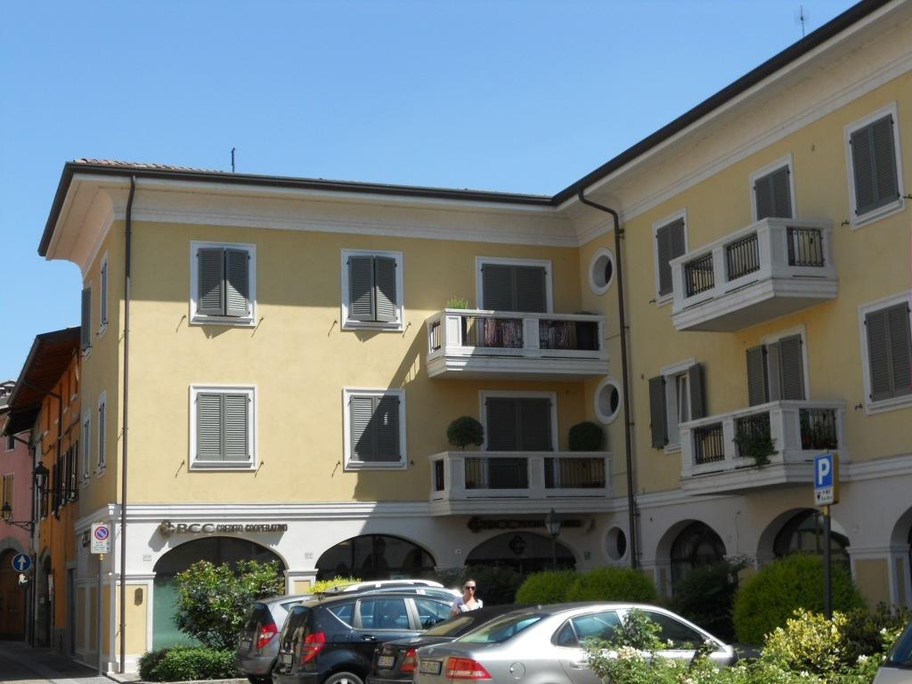 Appartamento in vendita a Chiari, 7 locali, prezzo € 229.000 | Cambio Casa.it