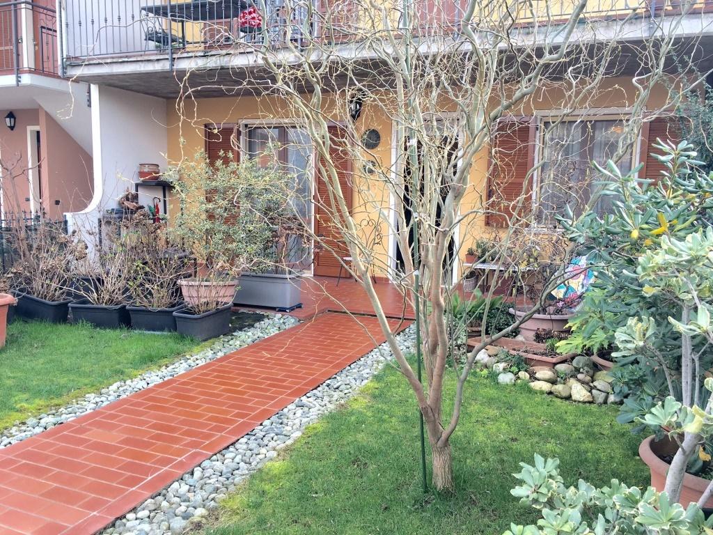 Appartamento in vendita a Travagliato, 7 locali, prezzo € 229.000 | Cambio Casa.it