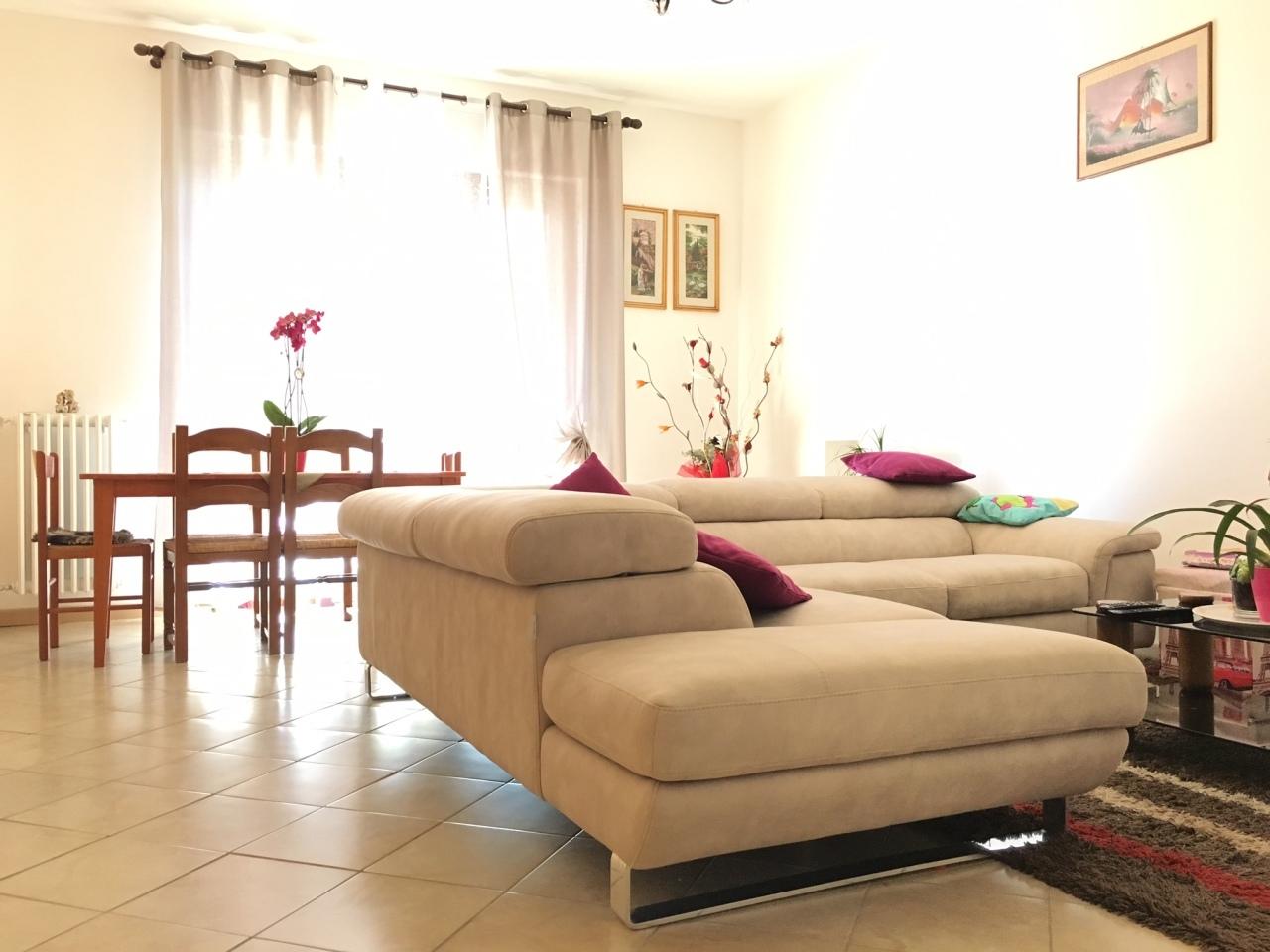 Appartamento in vendita a Cologne, 3 locali, prezzo € 145.000 | Cambio Casa.it