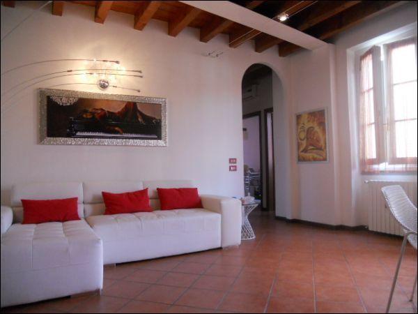 Appartamento in vendita a Chiari, 5 locali, prezzo € 169.000 | Cambio Casa.it