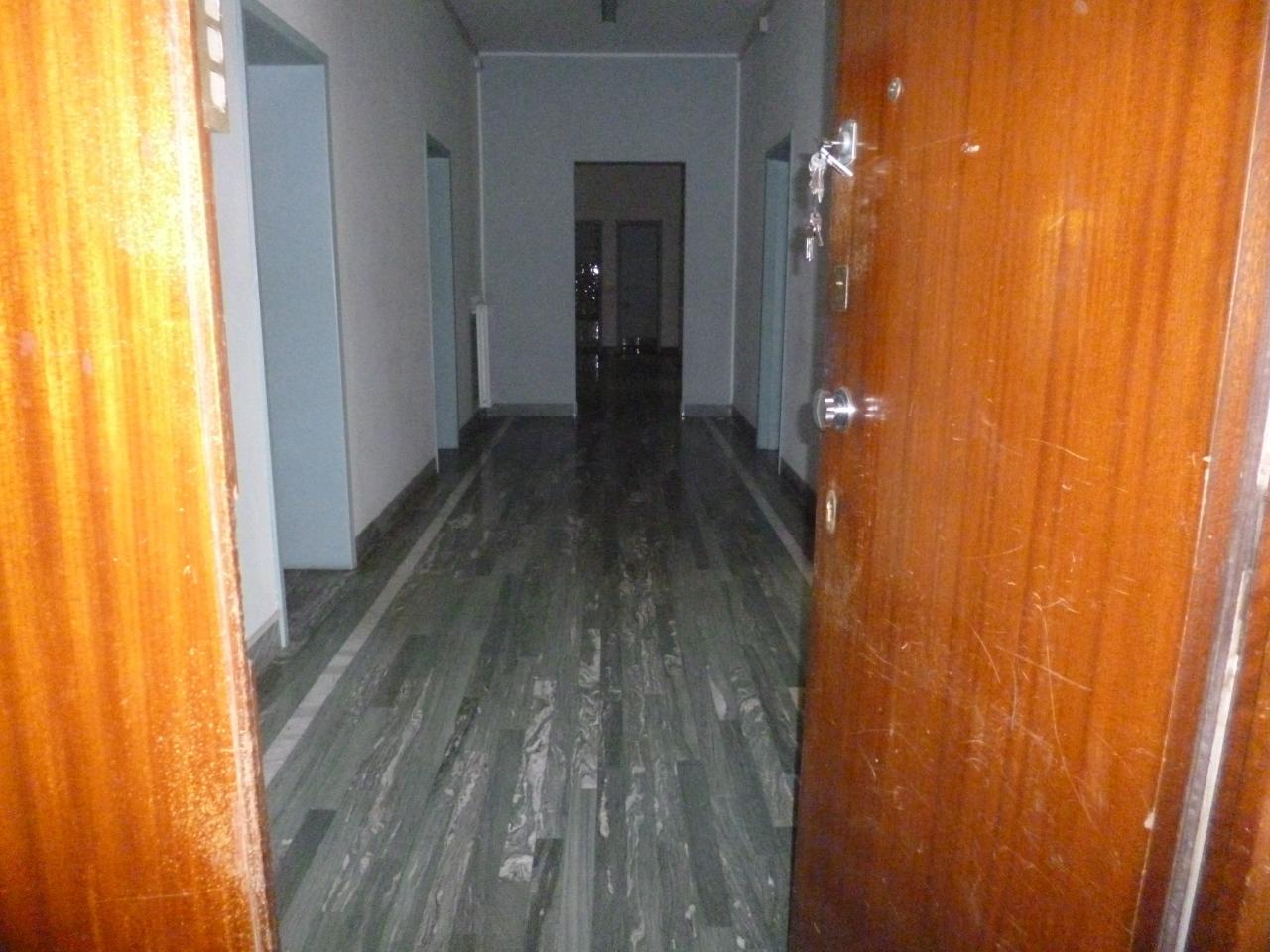 Appartamento in affitto a Livorno, 8 locali, prezzo € 1.900 | CambioCasa.it