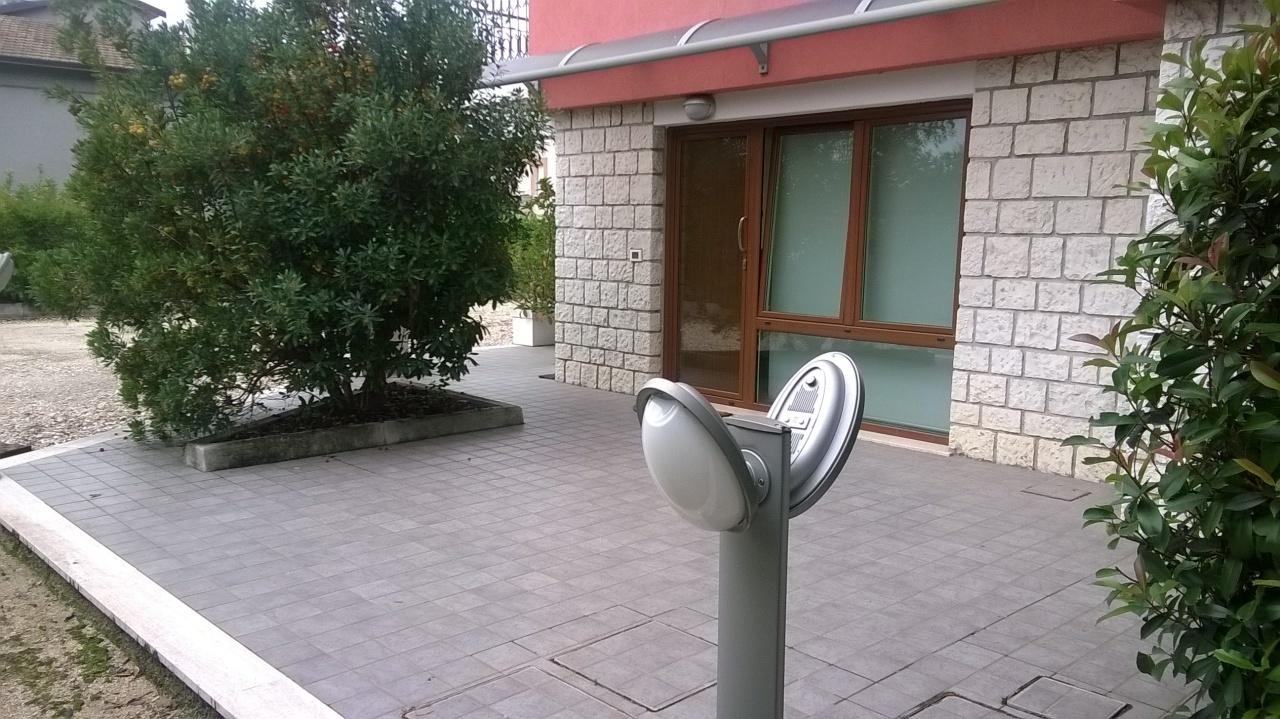 Soluzione Indipendente in affitto a Jesi, 3 locali, prezzo € 450 | Cambio Casa.it