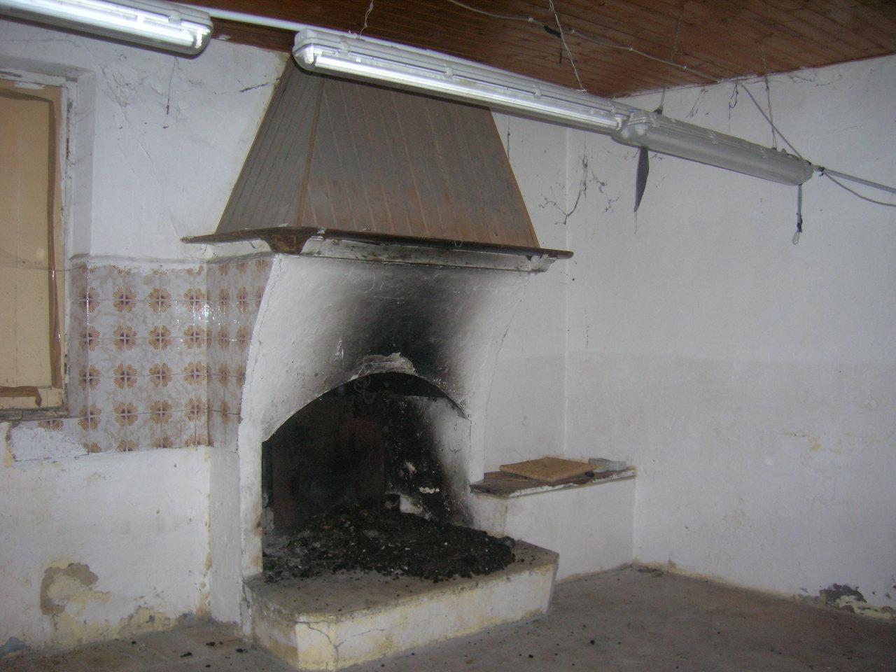 Soluzione Indipendente in vendita a Poggio San Marcello, 7 locali, prezzo € 95.000 | Cambio Casa.it
