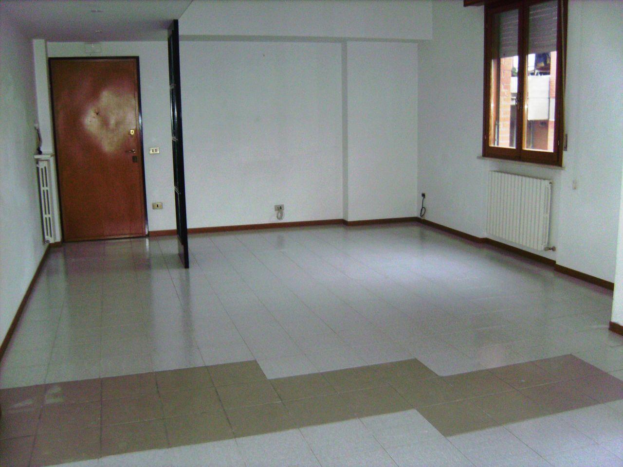 Appartamento in vendita a Jesi, 3 locali, Trattative riservate | Cambio Casa.it