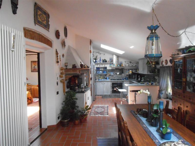 Appartamento in vendita a Vicopisano, 5 locali, prezzo € 260.000 | Cambio Casa.it