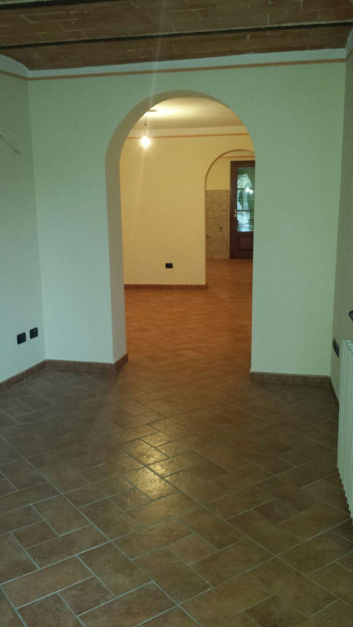 Villa in vendita a Calcinaia, 5 locali, prezzo € 370.000 | Cambio Casa.it