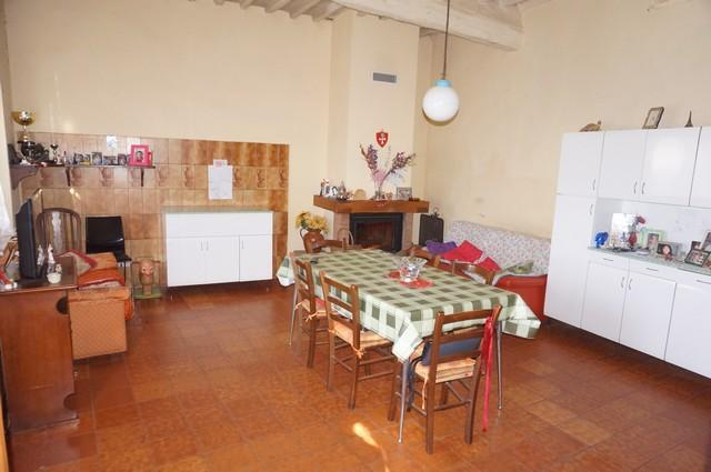 Rustico / Casale in vendita a Vicopisano, 8 locali, prezzo € 248.000 | Cambio Casa.it