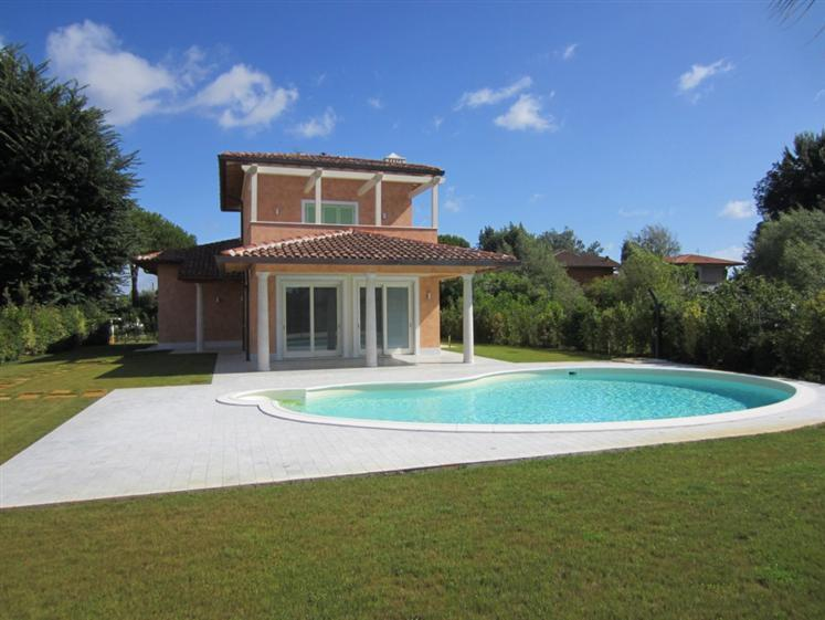 Casa singola in vendita a Marina Di Pietrasanta, Pietrasanta (LU)
