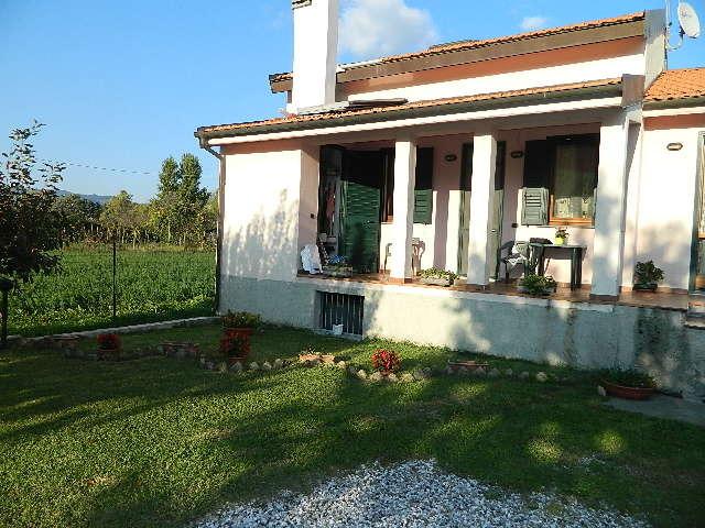 Casa singola in vendita a Arcola (SP)