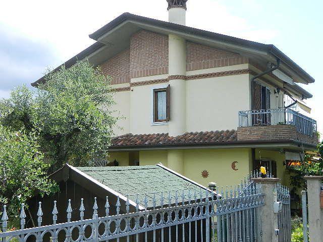 Casa semindipendente in vendita, rif. 102184