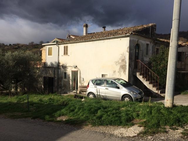 rif.AR421 Casa Pietranico