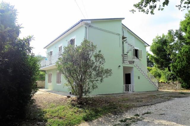 rif.EL724 - Green House