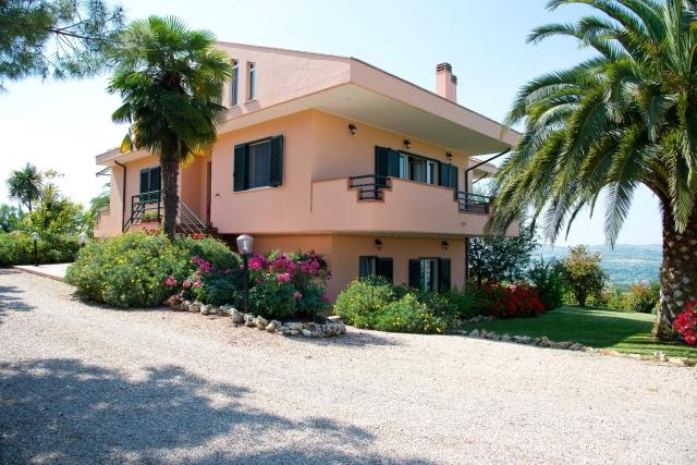rif.EL729 - Villa Maddalena