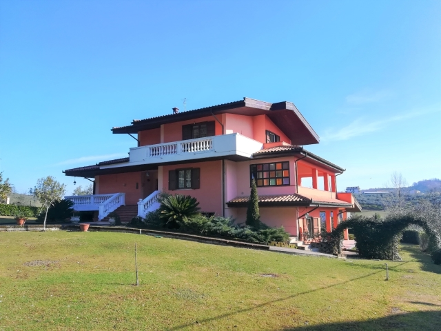 rif.EL748 - Villa Valentino