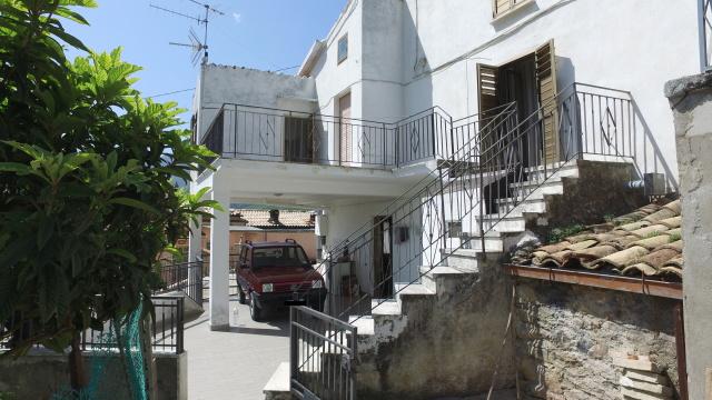 rif.AR457 Casa Colli