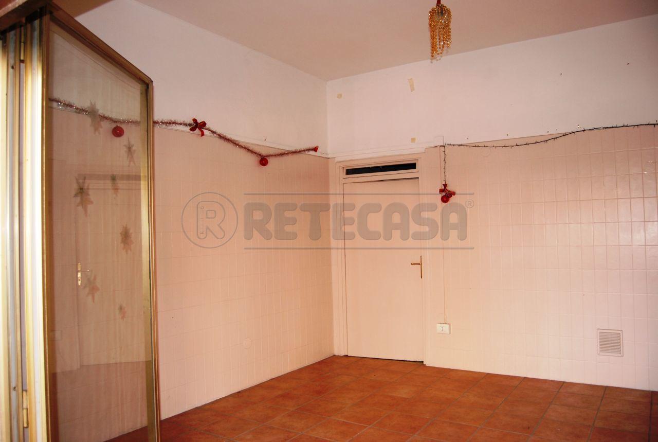 Negozio / Locale in affitto a Perugia, 2 locali, prezzo € 300 | Cambio Casa.it