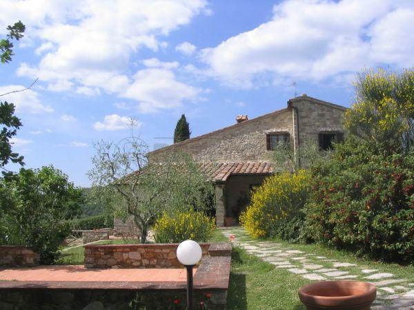 Rustico / Casale in Vendita a Radda in Chianti