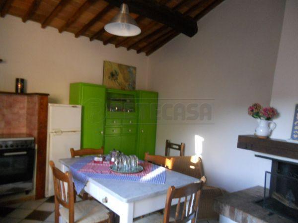 Appartamento in vendita a Monticiano, 4 locali, prezzo € 110.000   Cambio Casa.it
