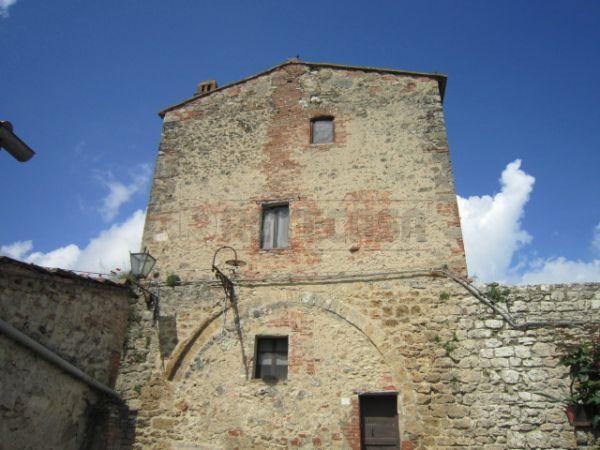 Rustico / Casale in vendita a Asciano, 4 locali, prezzo € 150.000 | Cambio Casa.it