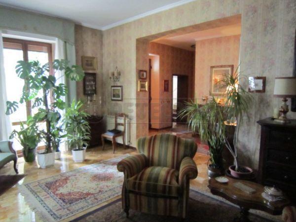 Villa in vendita a Colle di Val d'Elsa, 8 locali, prezzo € 420.000 | Cambio Casa.it